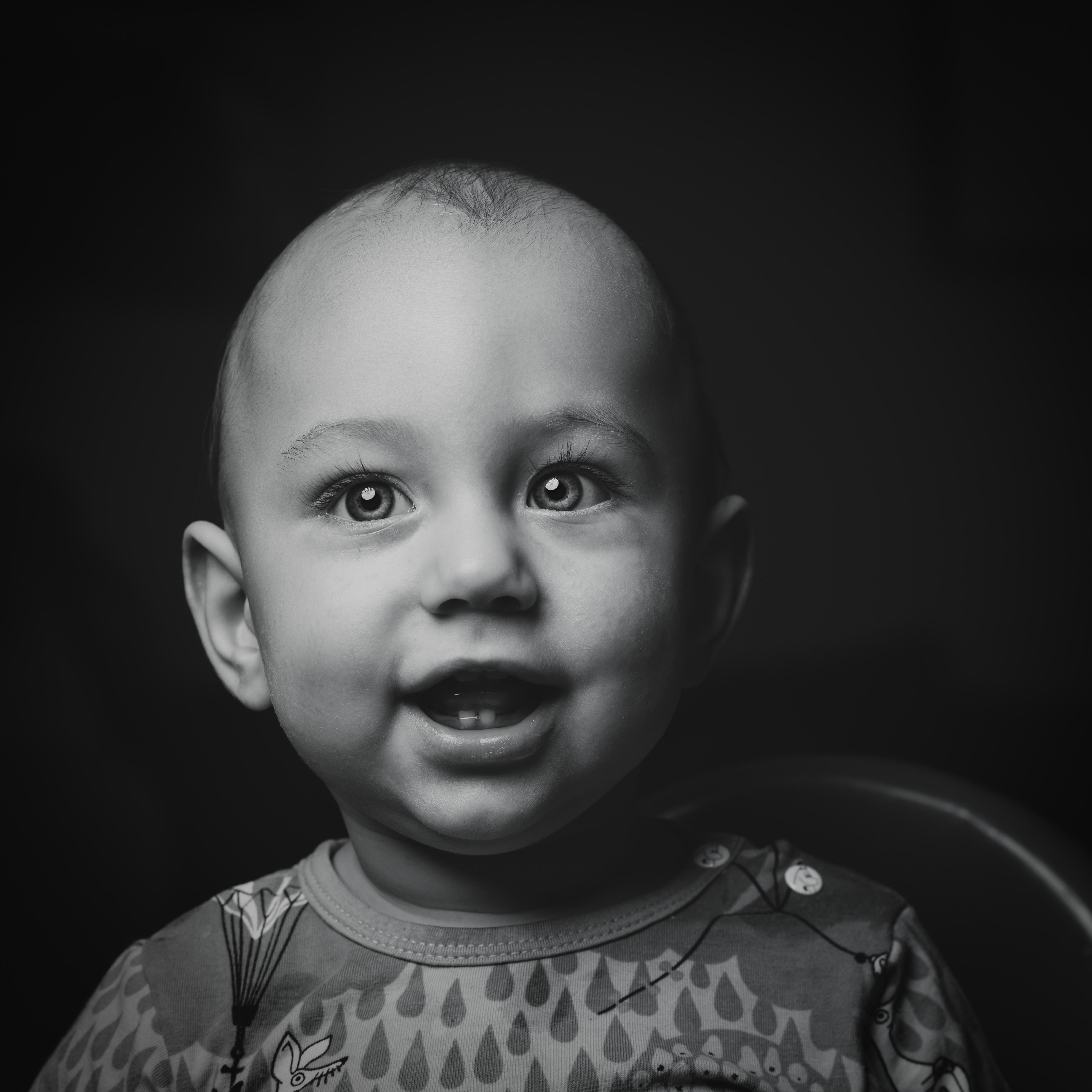 Saat Bayi Mulai Tumbuh Gigi: Gejala, Solusi dan Hal-Hal Yang Bunda Perlu Ketahui